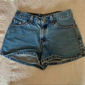levi mid waisted jean shorts